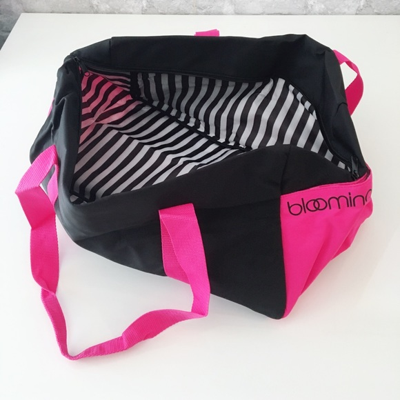 Brand New Bloomingdale s Neon Pink Gym Bag 85df34e39e033
